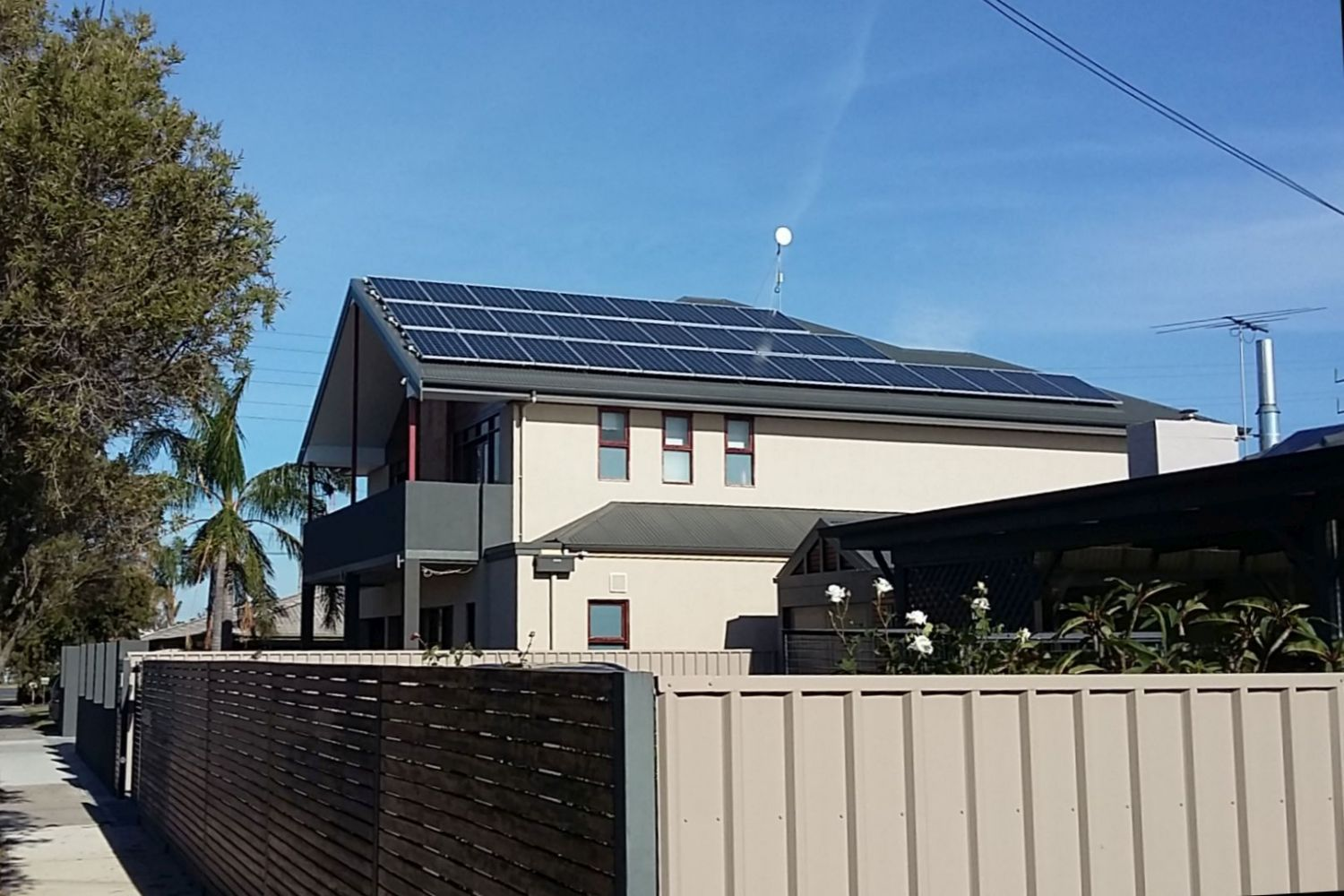 Energy Efficient PV cells on Owner Builder House at Taperoo