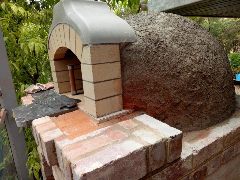 Pizza oven Perlite rendered dome